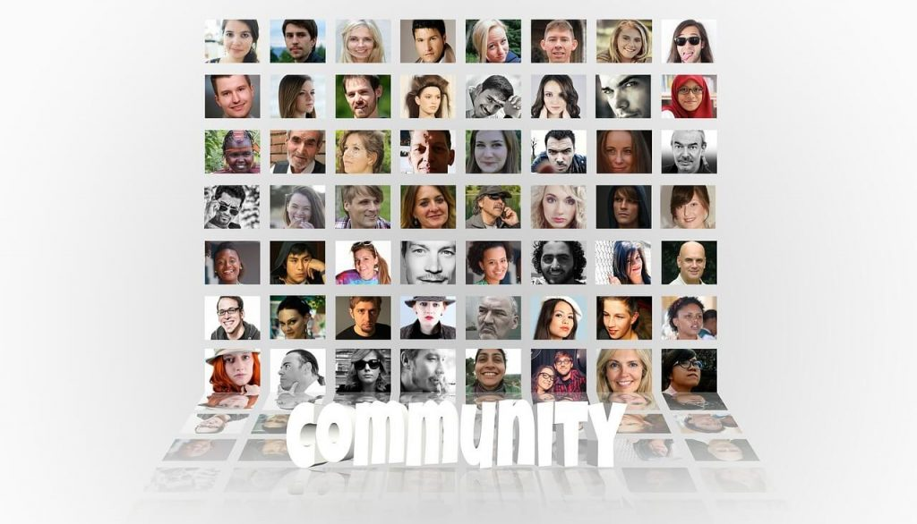 community-550775_1280